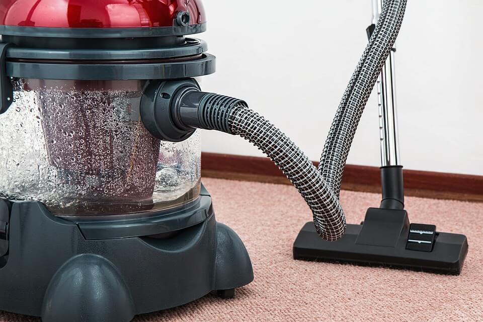 quel est le meilleur aspirateur sans sac pour moquette et tapis. Black Bedroom Furniture Sets. Home Design Ideas