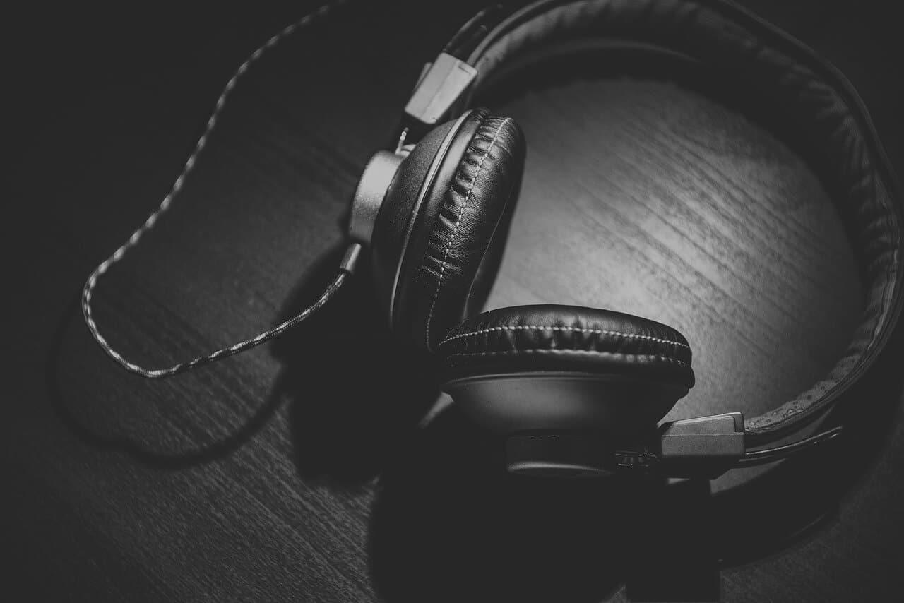 Comment maintenir l'intérêt de son auditoire à la radio